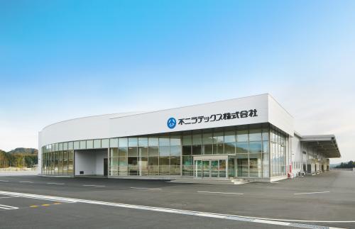 2018年11月竣工の栃木千塚工場の外観です。