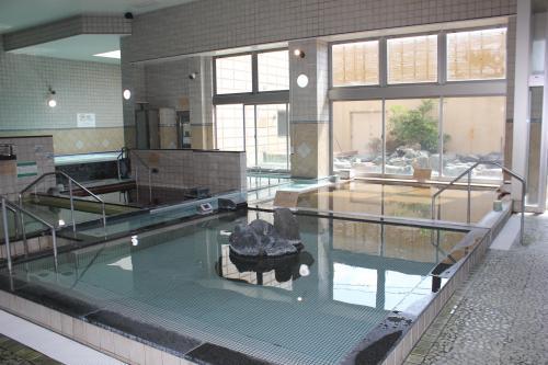 地下1200Mから湧き出る天然温泉